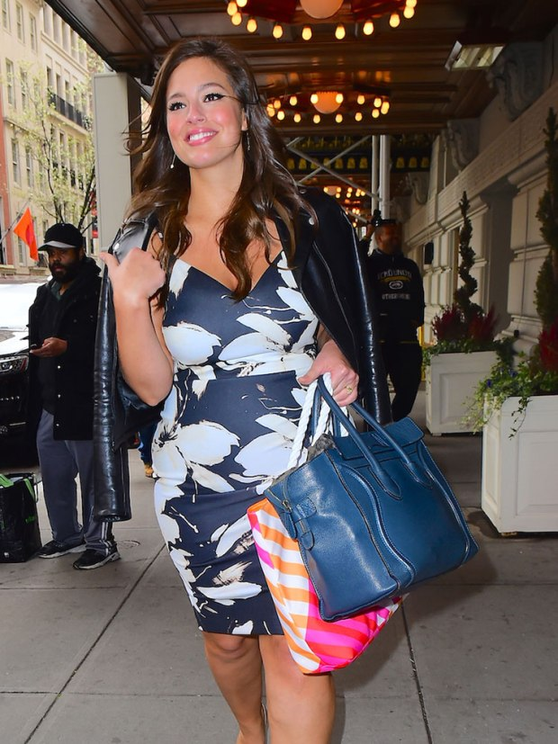 ashley-graham-celine-luggage-tote